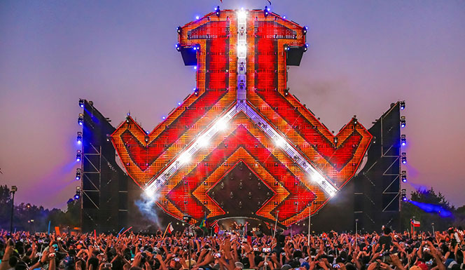The anthem of Defqon.1 Chile who sign up?